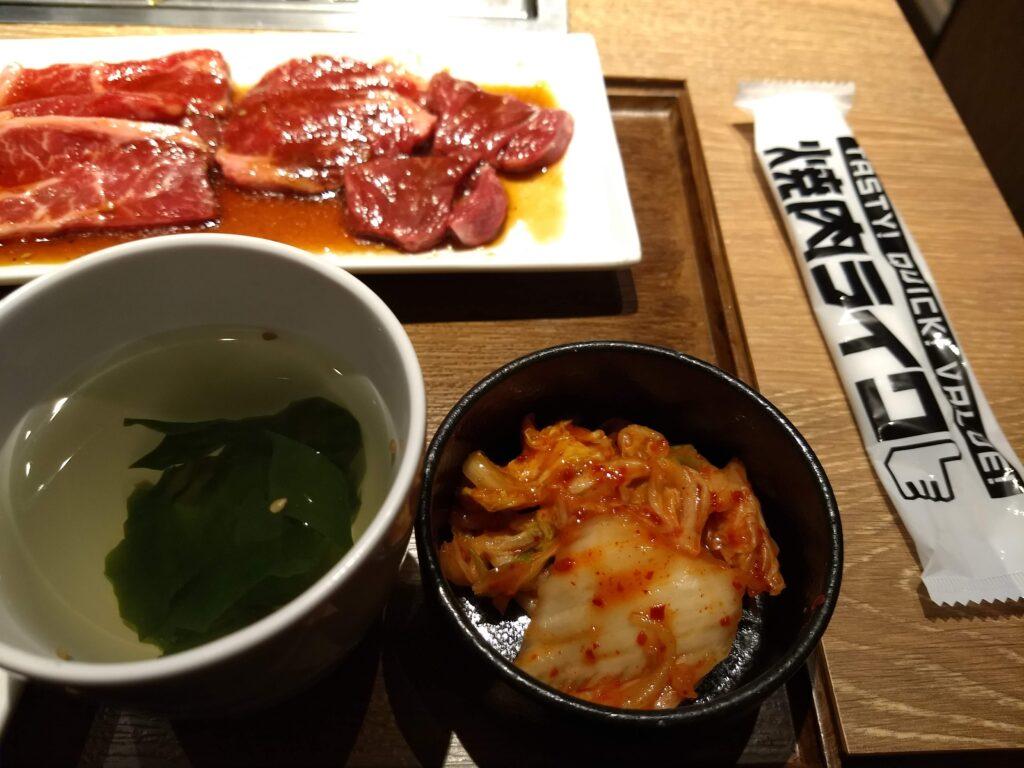 付け合わせ(キムチ&スープ)